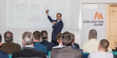 Ing. Dr. Markus Lorenz referiert über Innsovationsmanagement in der Dolomiten Bank in Lienz