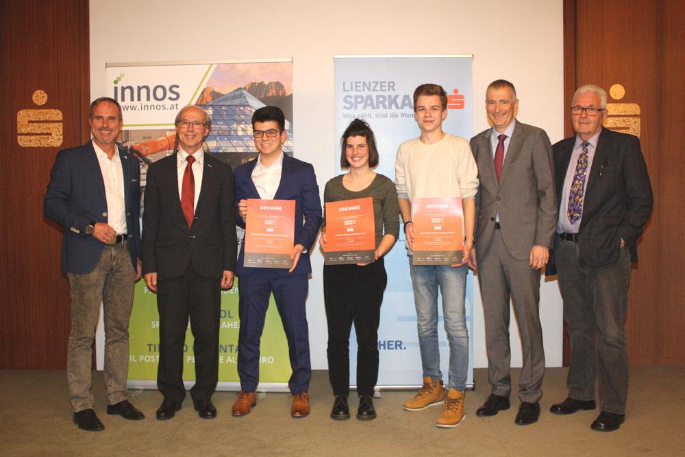 Die Privatstifung Lienzer Sparkasse hatte die Kreation eines Slogans, Logos oder Maskottchens für den Entrepreneurwettbewerb über die INNOS GmbH ausgeschrieben.
